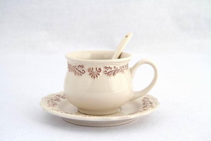 优巢陶瓷加盟图片