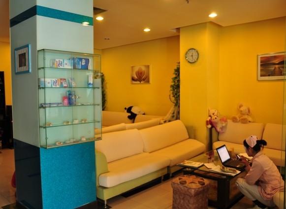 背景墙 房间 家居 设计 卧室 卧室装修 现代 装修 581_424