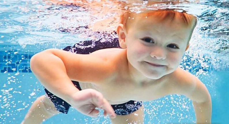 亲亲宝贝婴儿游泳馆加盟