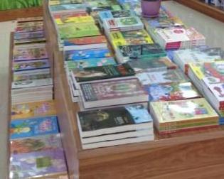 海豚儿童书店加盟图片