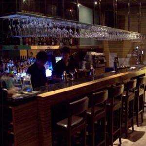 致青春酒吧加盟图片