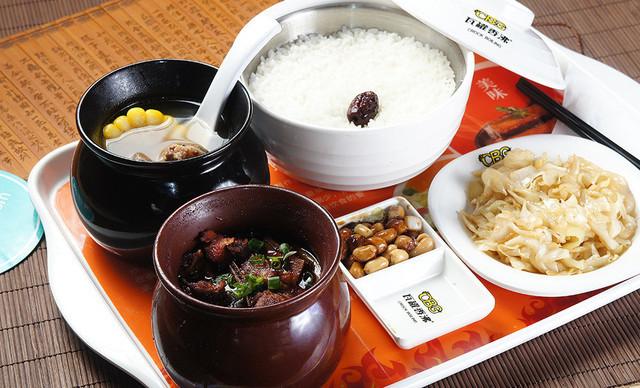 瓦罐香沸快餐中餐加盟图片