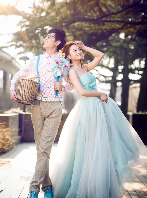蓝月国际婚纱摄影加盟图片