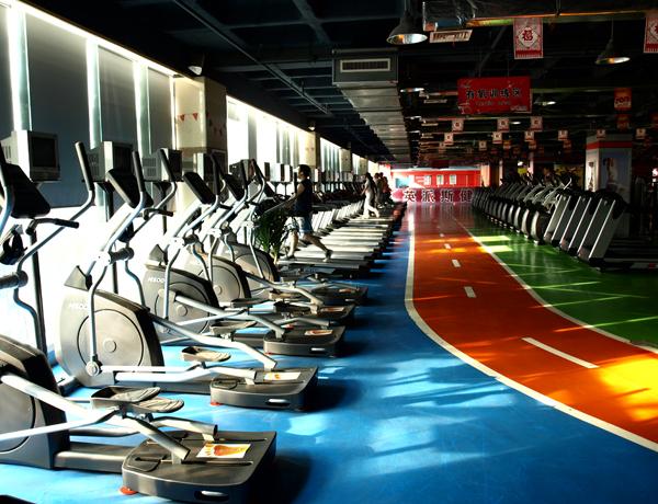 英派斯健身俱乐部加盟图片