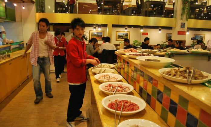 开个自助火锅店要多少本钱