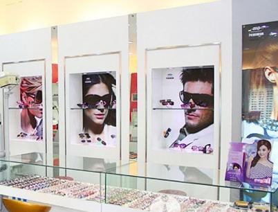 上目眼镜店加盟图片