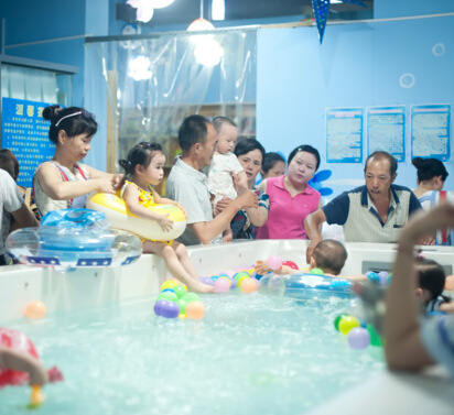 童话雨婴幼儿游泳馆加盟图片
