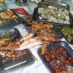 天香园烧烤店