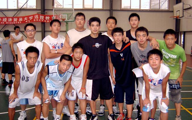 王非篮球训练营多少钱_就要加盟网|91jm.com