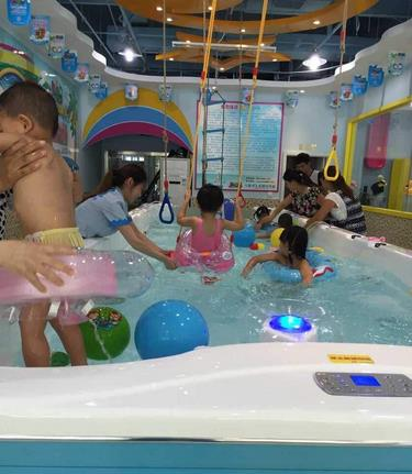 鄭州嬰兒游泳館