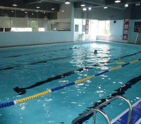 快乐游泳健身会所加盟图片