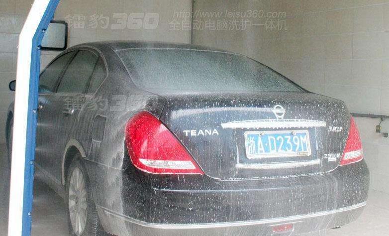镭豹360洗车机加盟