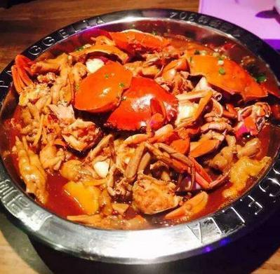 一品肉蟹煲加盟图片