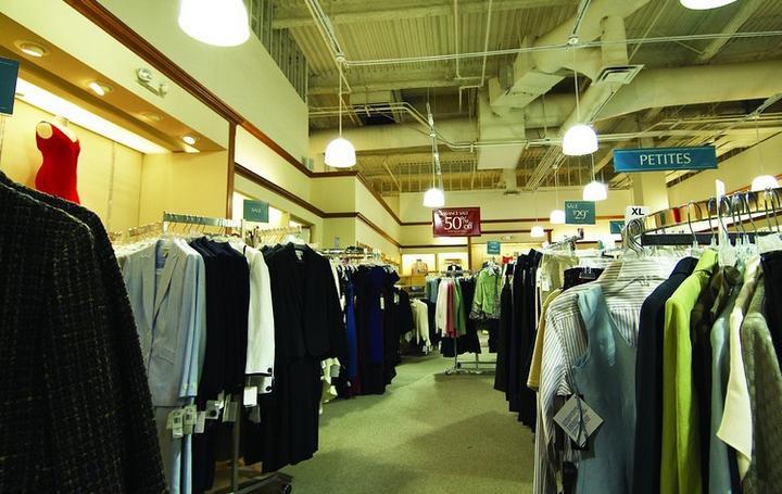 亿客隆服装超市加盟
