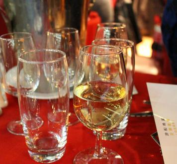 散白酒加盟图片