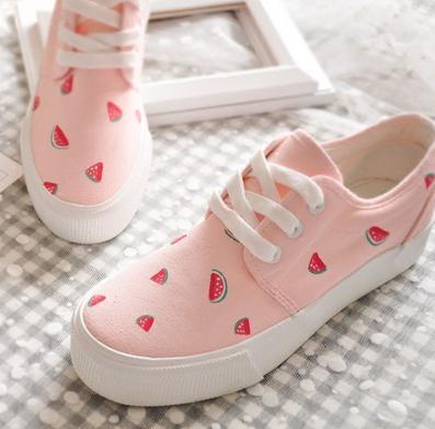 手绘鞋加盟图片