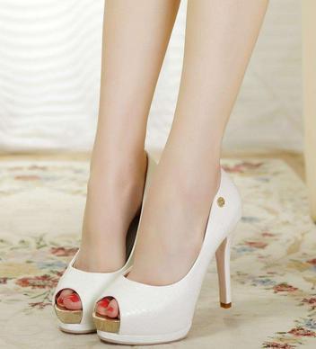 品牌女鞋加盟图片