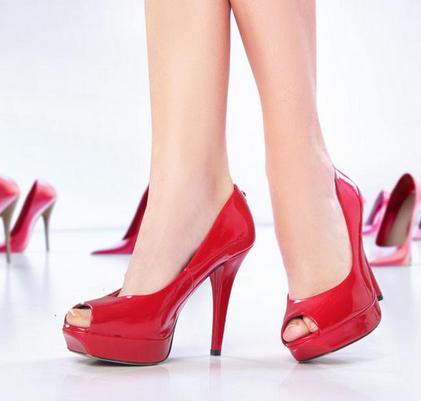 品牌鞋加盟图片
