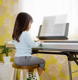 珠江钢琴加盟图片