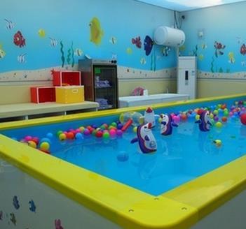 婴泳王子婴儿游泳馆加盟