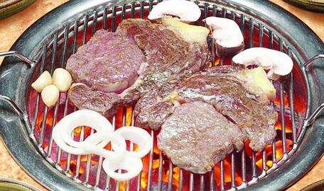 最出名的烤肉_中储草 撸遍全宇宙,还是觉得内蒙的烤肉最诱人
