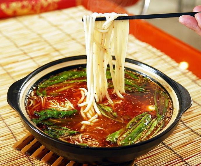 青山海鲜砂锅麻辣烫