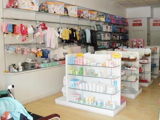 七彩虹母婴用品加盟图片 加盟店装修图