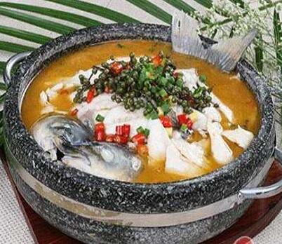 优品石锅鱼