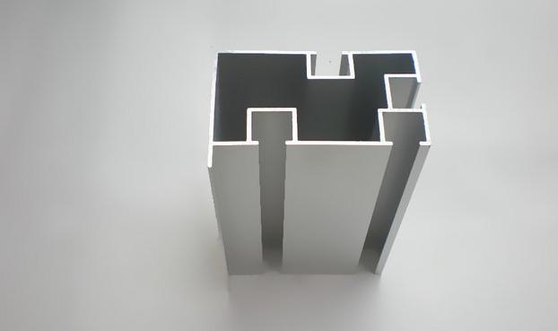 坚美铝材加盟
