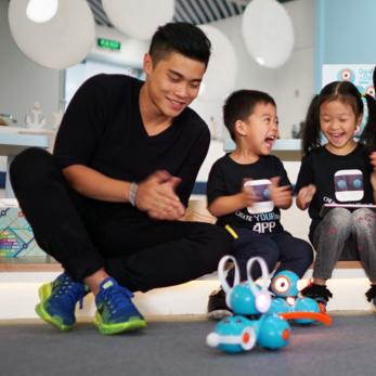 魔力小孩机器人加盟图片