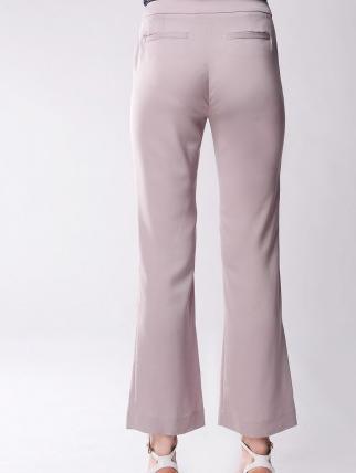 百斯盾女裤加盟图片