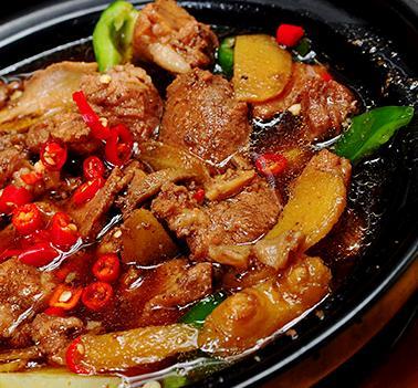 泉聚閣黃燜雞米飯