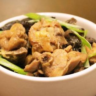 忆味居黄焖鸡米饭
