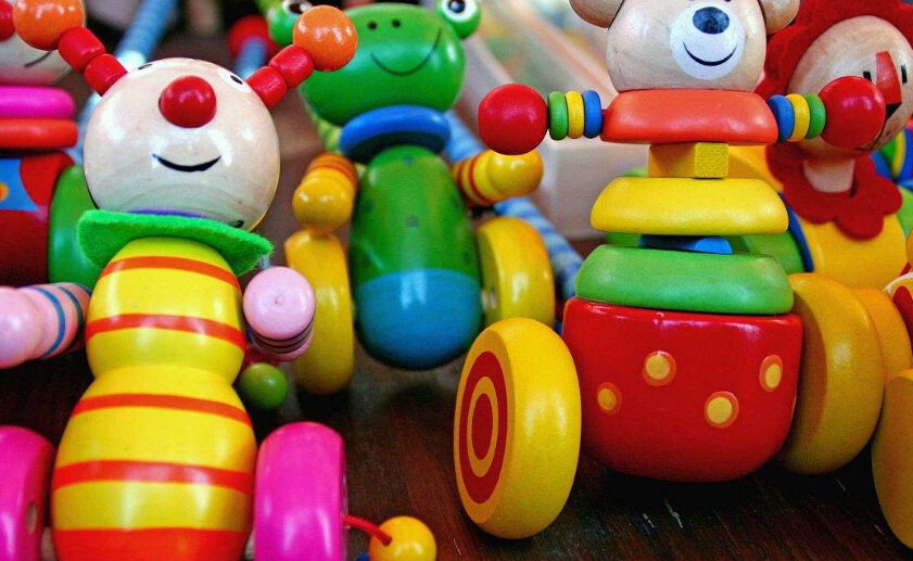 福儿宝总部经销批发的儿童电动四轮车、儿童电动三轮车、儿童推车、儿童自行车、儿童玩具畅销消费者市场,在消费者当中享有较高的地位,公司与多家零售商和代理商建立了长期稳定的合作关系。儿童玩具品种齐全、价格合理。实力雄厚,重信用、守合同、保证产品质量,以多品种经营特色和薄利多销的原则,赢得了广大客户的信任。   选择相对有影响力的财富市场,选择一个永不枯竭的经营财富空间,福儿宝因为能够符合广大消费者的需求,因此可以带来非常满意的合作项目服务。福儿宝加盟优势多,让你得到更多!
