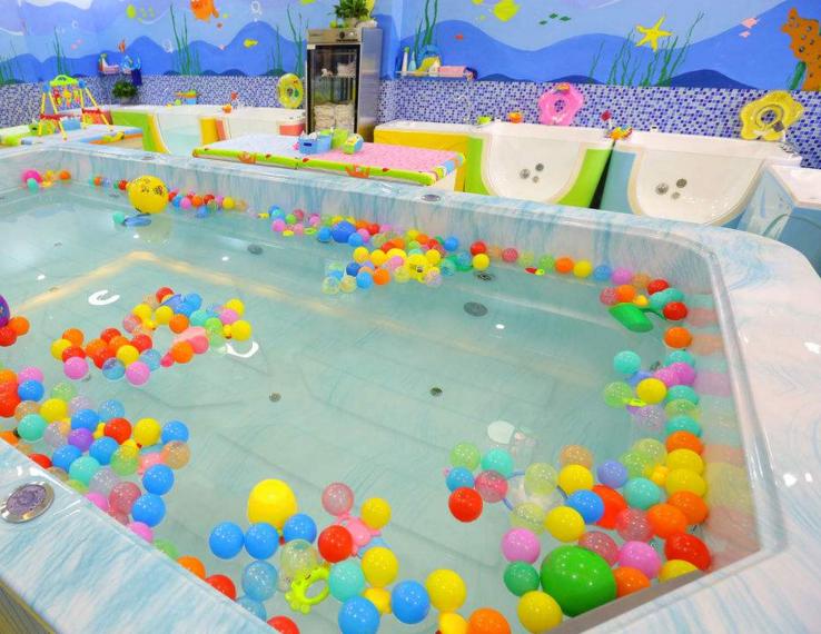 邻家儿女婴儿游泳馆加盟图片