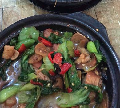 鸿玉福黄焖鸡米饭