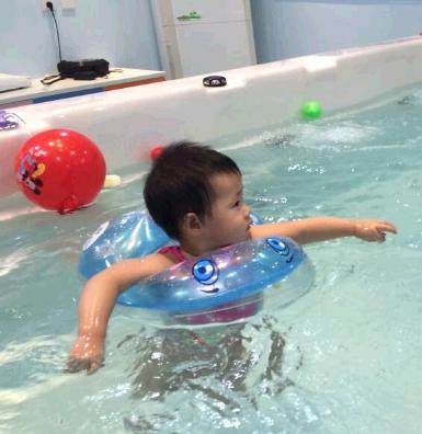 嘟嘟寶貝嬰兒游泳館