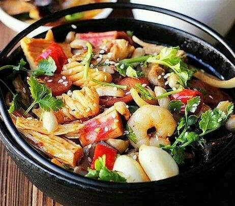 蘑菇坊麻辣香锅加盟