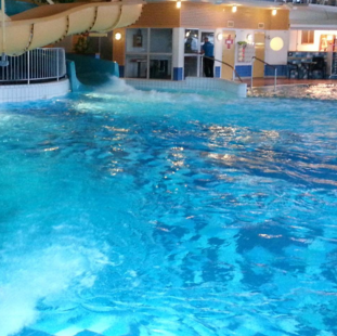 盛鑫游泳池