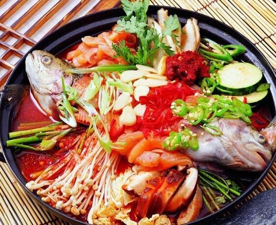 四同活鱼锅加盟图片