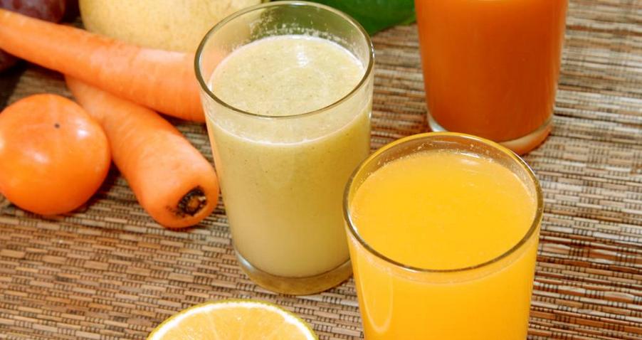 鲜榨果汁,顾名思义便是用新鲜的水果榨取成汁,加入公司的秘制做法
