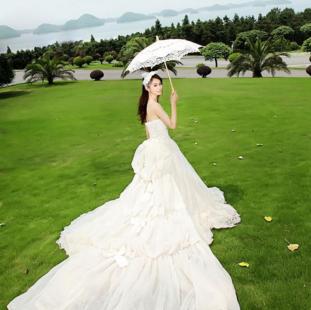 绿野仙踪婚纱摄影加盟