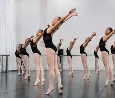 心艺舞蹈艺术