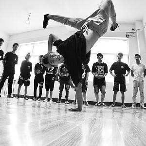 菲比舞蹈培训