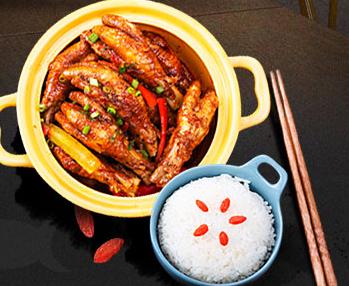 煲记煌煲仔砂锅饭加盟图片