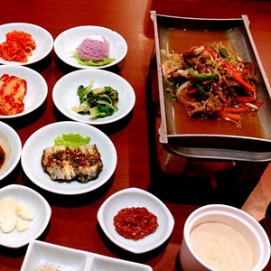 椰坛韩式土豆汤韩国料理加盟