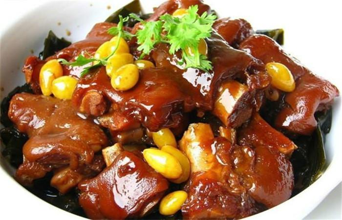 一,配方优势:交融陈旧的火锅底料配方与古代美食养分实际,使麻辣小吃