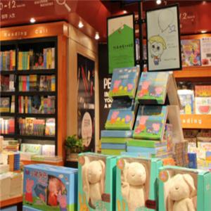 小逗号儿童书店加盟图片