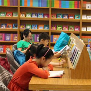 蓝鲸儿童书店加盟