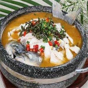 鱼品记泉水蒸汽石锅鱼加盟